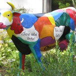 """Picowso"" The Fiberglass cow painting (Video)"